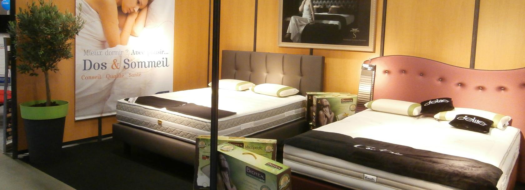 dormir dans le salon continuit de la cuisine nous avons cr un espace la fois bureaupetit salon. Black Bedroom Furniture Sets. Home Design Ideas